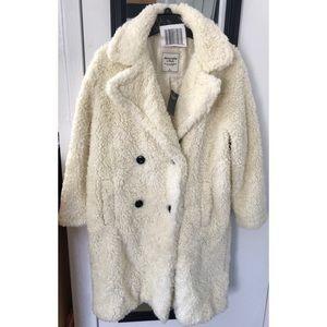 Woman's Abercrombie & Fitch Faux fur coat